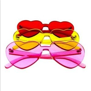 Accessories - Retro Heart Shaped Sunglasses Assorted Colors